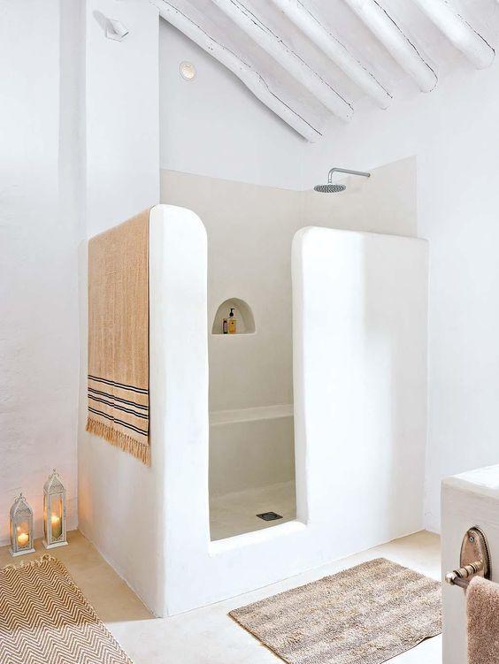 style méditerranéen avec des murs lissés