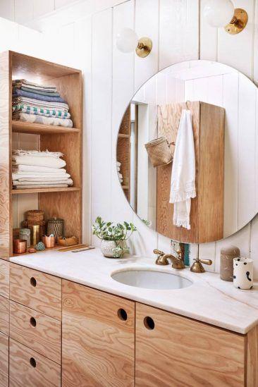 Petite salle de bain avec rangement