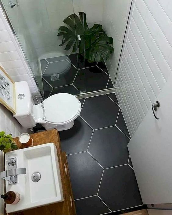 Petite salle de bain optimisée