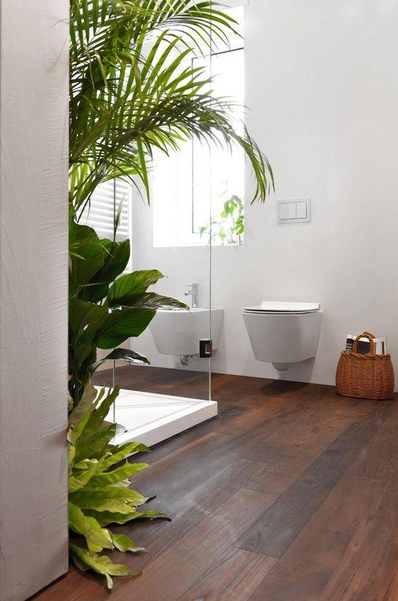 sol salle de bain bois exotique