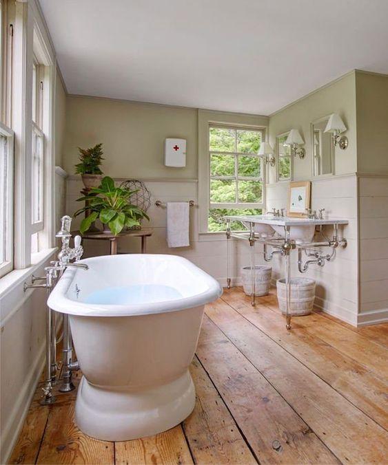 sol salle de bain bois ancien