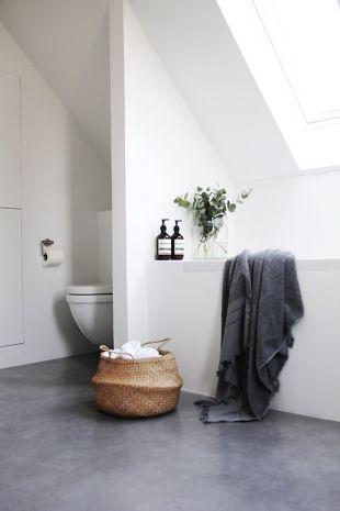 sol salle de bain béton ciré